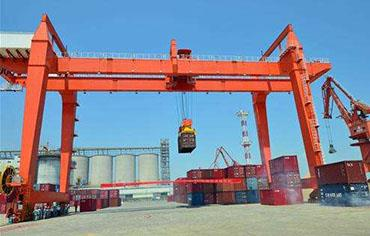 Rail-Mounted Gantry Cranes Container Crane for Port Use.jpg